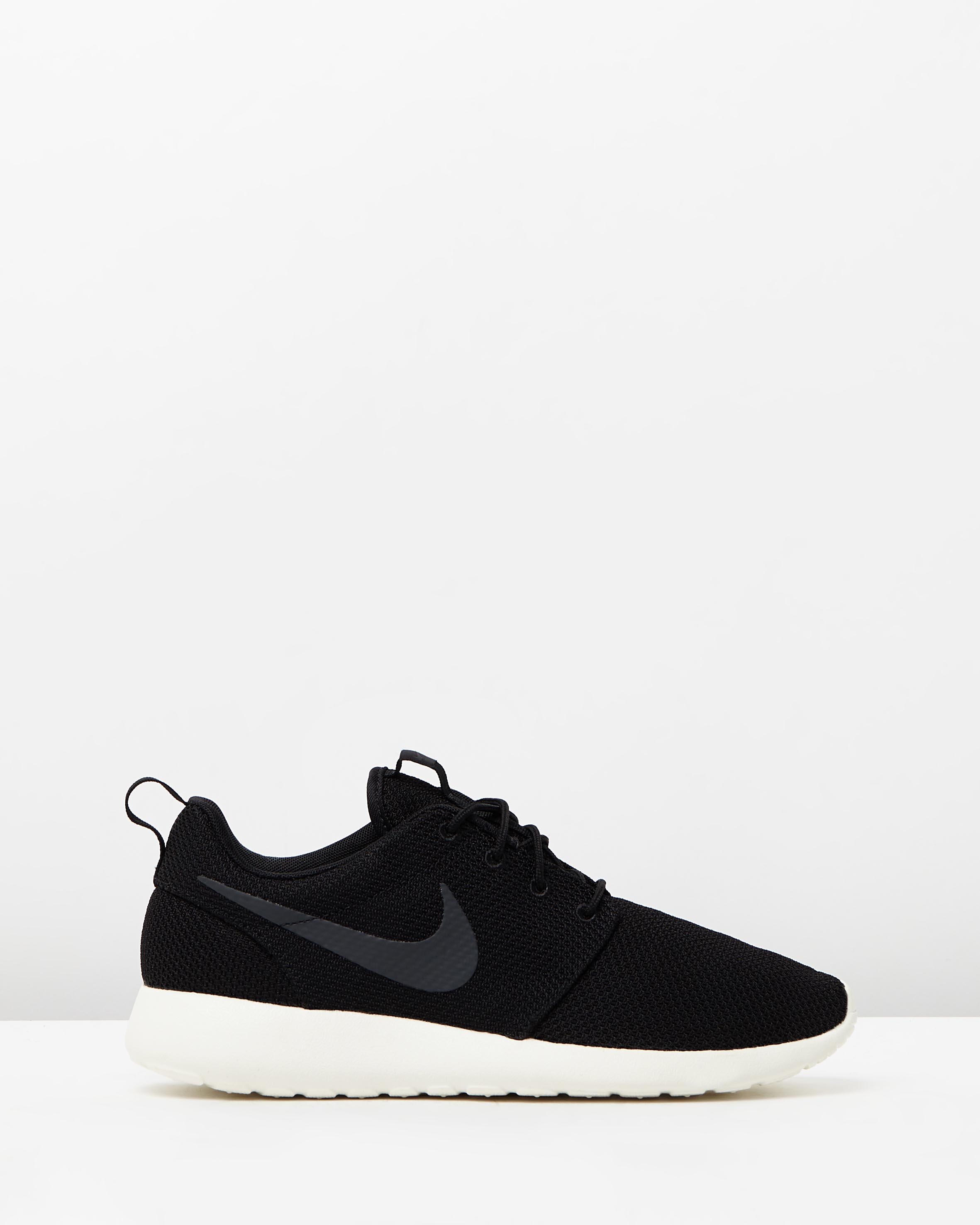 Men's Nike Roshe Run One Black | Sneaker Store - 95Gallery.com