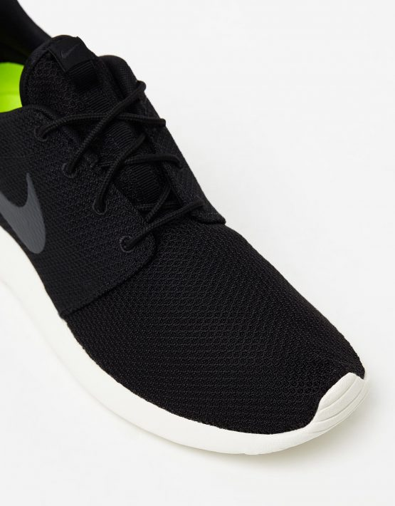 newest 115c6 539d5 Men's Nike Roshe Run One Black