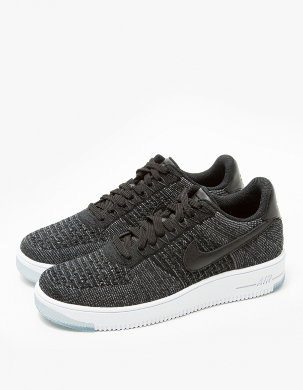 premium selection 36103 502eb Nike AF1 Flyknit Low in Black