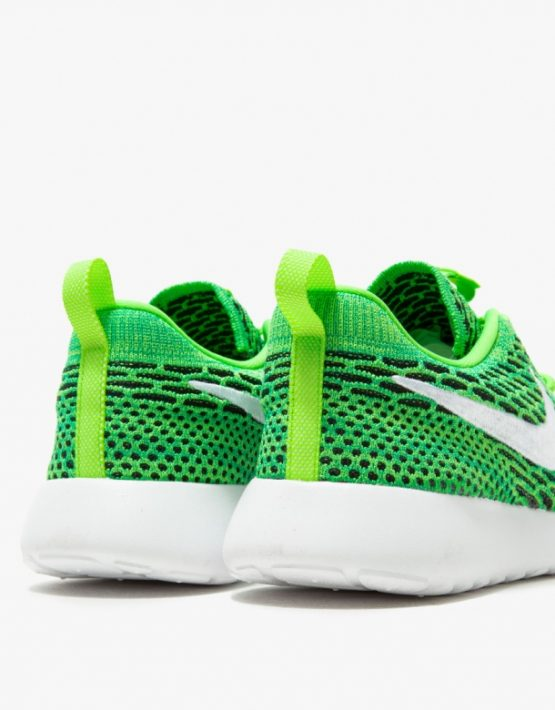 Nike Roshe One Flyknit in Green 4