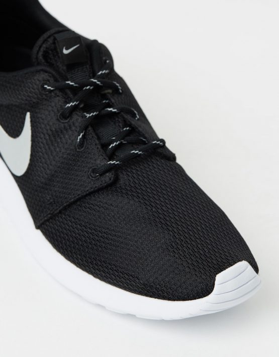 Nike Womens Roshe Black 4