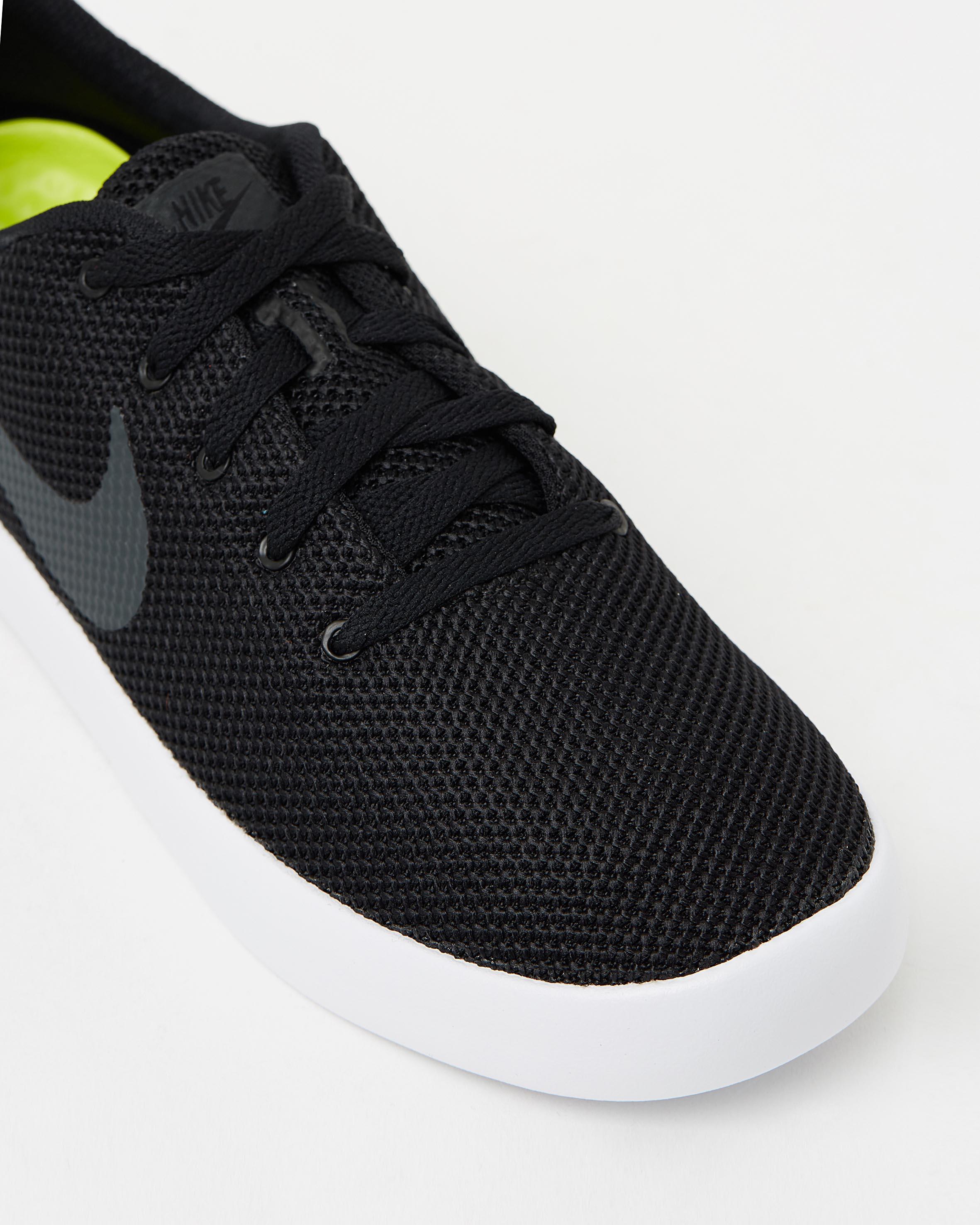 f091225e3c6d ... Mens Nike Essentialist Shoes 4