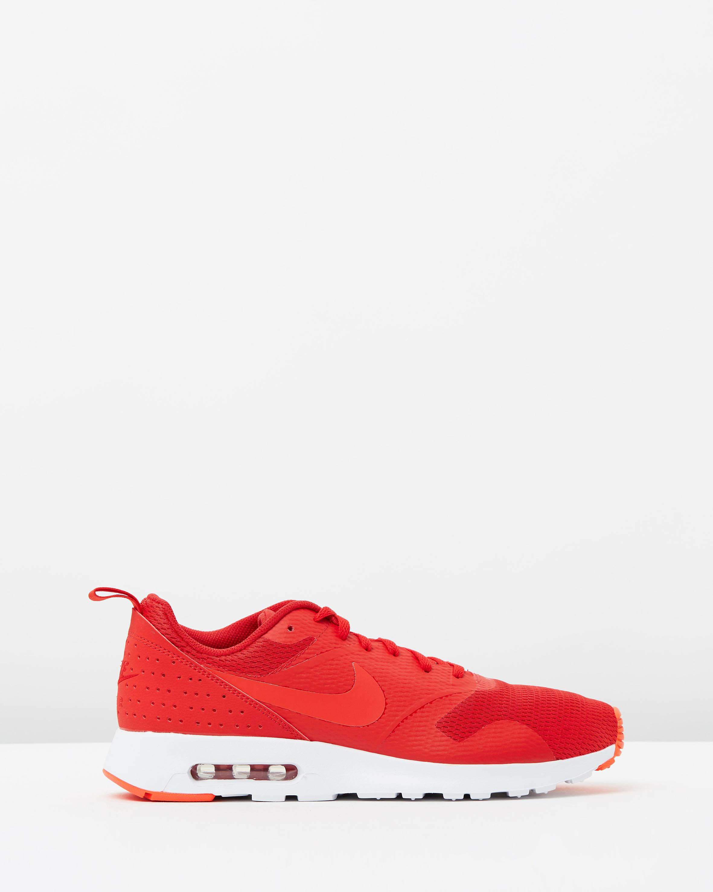 nike men s air max tavas leather university red sneaker. Black Bedroom Furniture Sets. Home Design Ideas