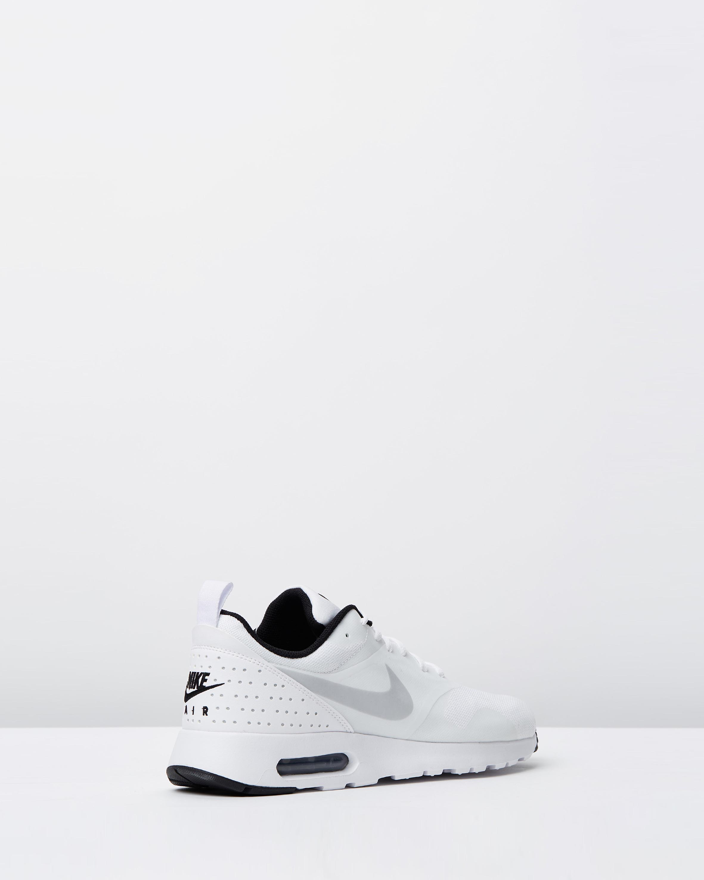 Nike Men's Air Max Tavas White, Pure Platinum & Black