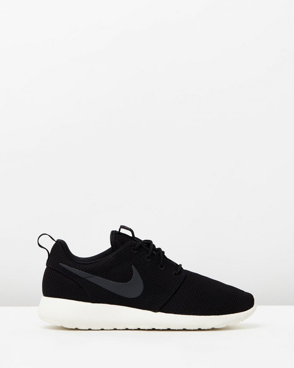 Confinar participar Editor  Men's Nike Roshe Run One Black - 95Gallery.com