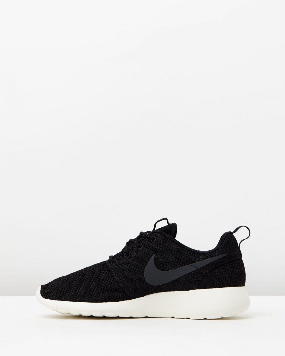 Mens Nike Roshe Run One Black 3