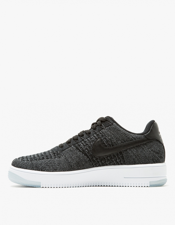 Nike AF1 Flyknit Low in Black 2