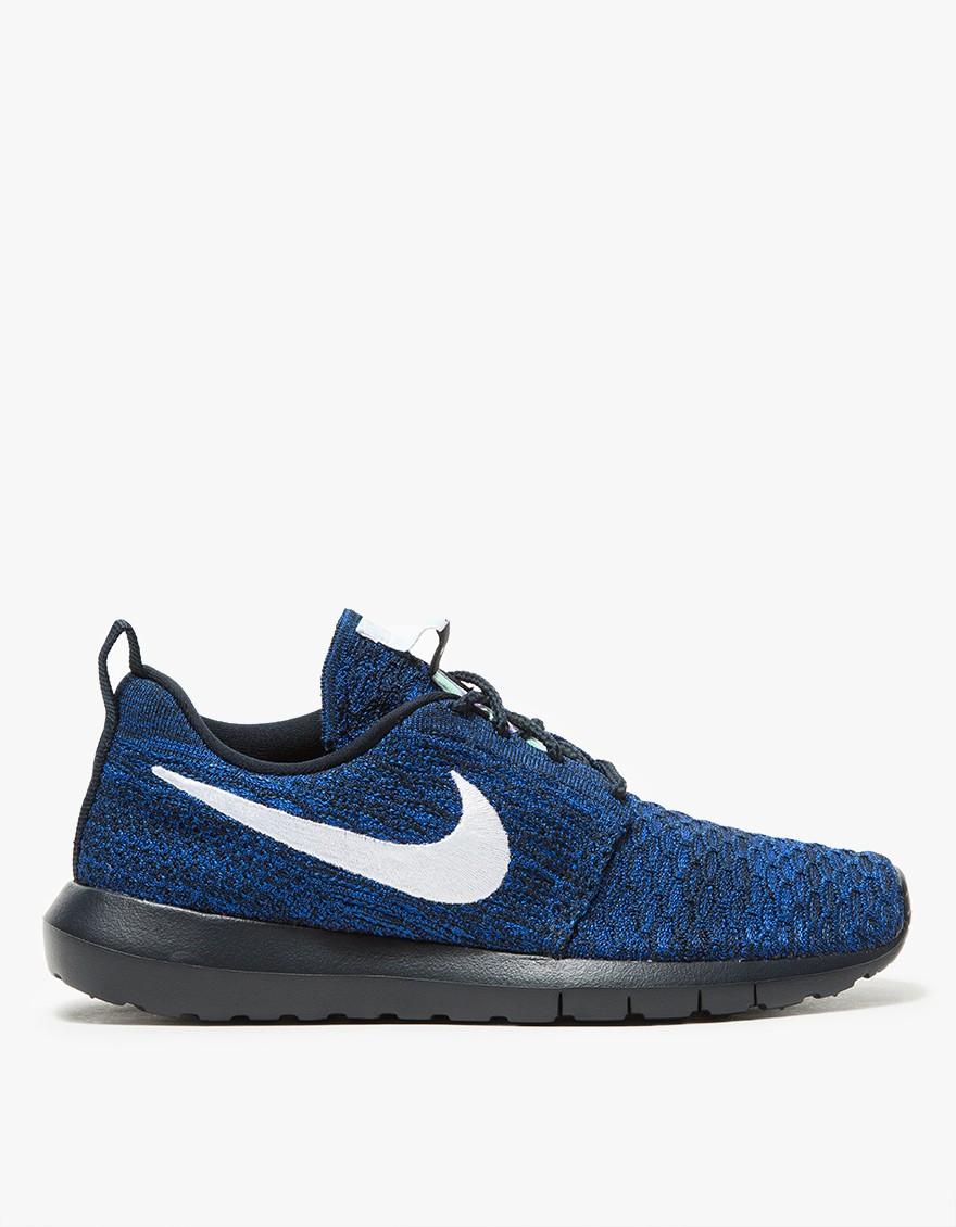 Nike Roshe NM Flyknit in Obsidian