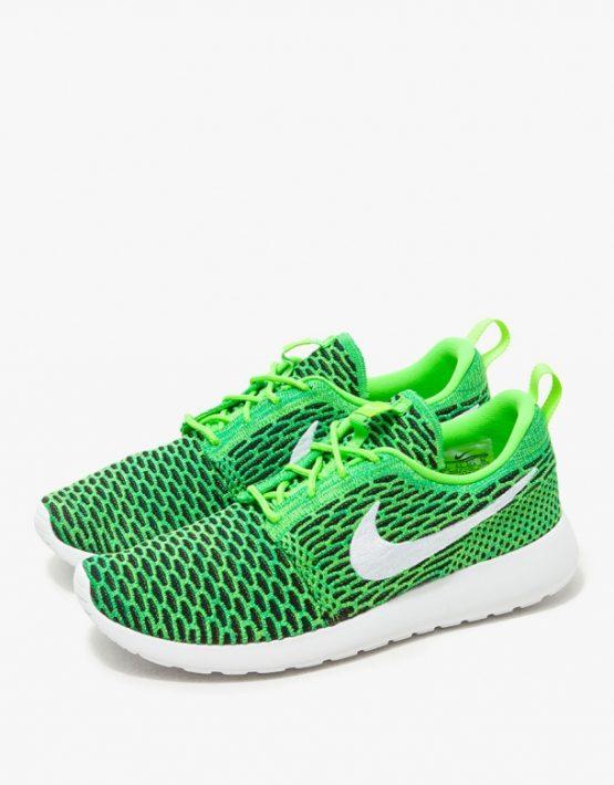 Nike Roshe One Flyknit in Green 3