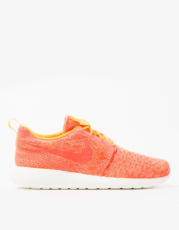 Nike Women's Roshe One Flyknit