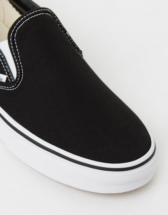 Vans Womens Classic Slip on Skate Shoe Black 4