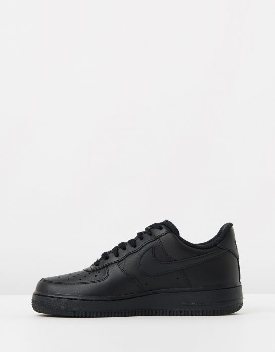 Womens Nike Air Force 1 07 Shoes 3
