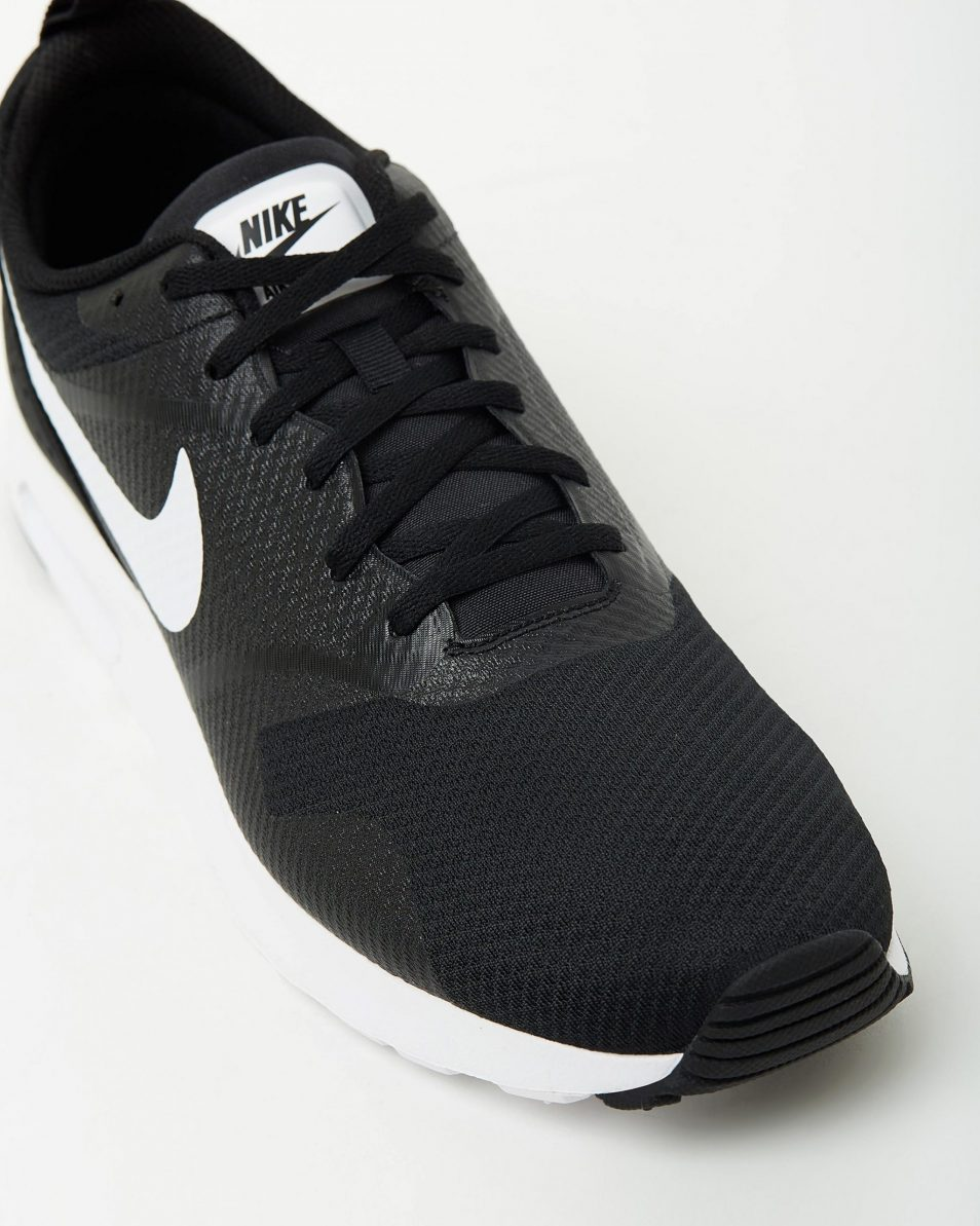 Nike Mens Air Max Tavas Black White 4